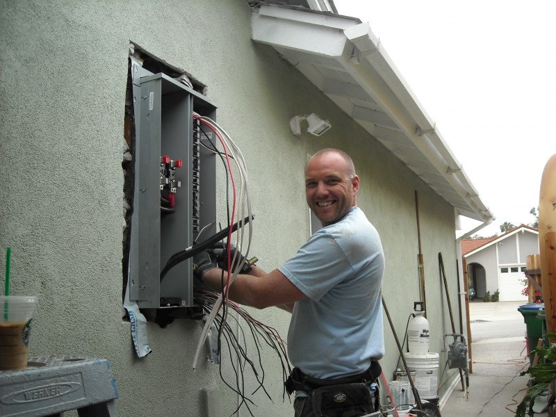 Upgraded 100 amp panel to 200 amp panel with smiling Dave doing install in anaheim hills