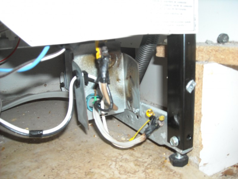 Repaired Dishwasher Junction Box, Wire Nuts Melted As Installed Orignally by Pacific Sales Ranch Santa Margarita
